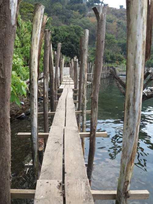 Santa cruz pont branlant