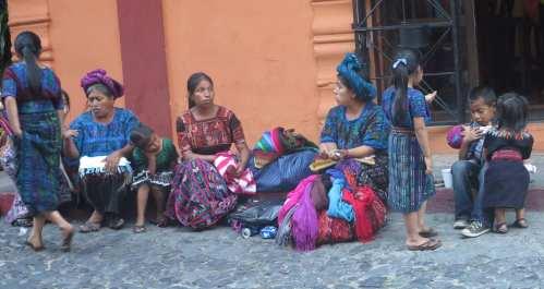 Antigua femmes et enfants